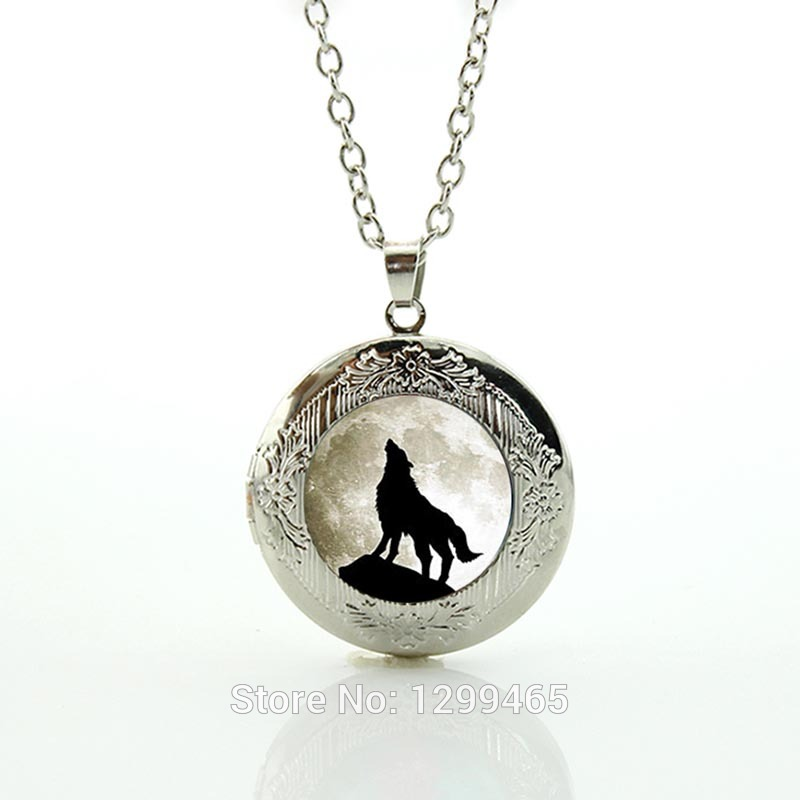 Wolf Necklace Full Moon Wolf locket Pendant women men jewelry Unique vintage wild animals choker statement Necklace N458