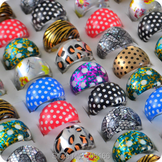 100pcs Mix Cute Bordeaux dots Resin Lucite Rings Acrylic Party Rings Children Girls Kid Fashion Jewelry Wholesale